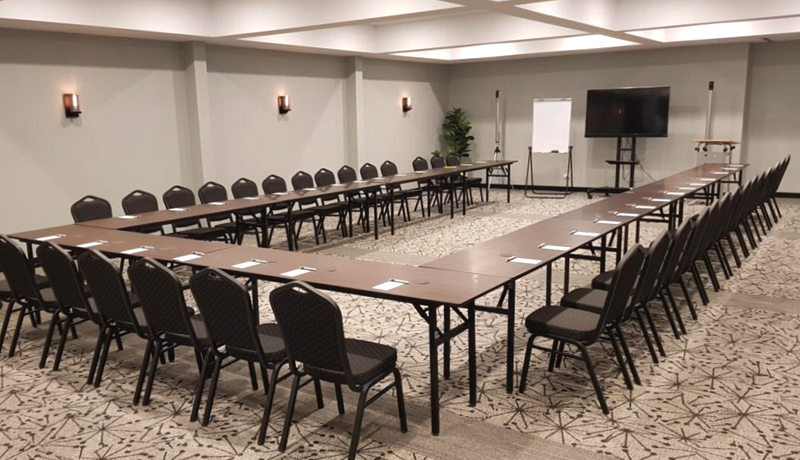 conference-rooms-north-lakes-hotel